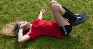 Ако детето се оплаква от болки в кръста, непременно го заведете при специалист!