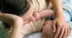 кърмене бебе