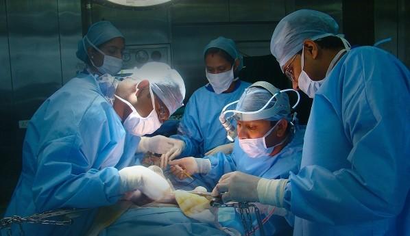 Операция на черен дроб