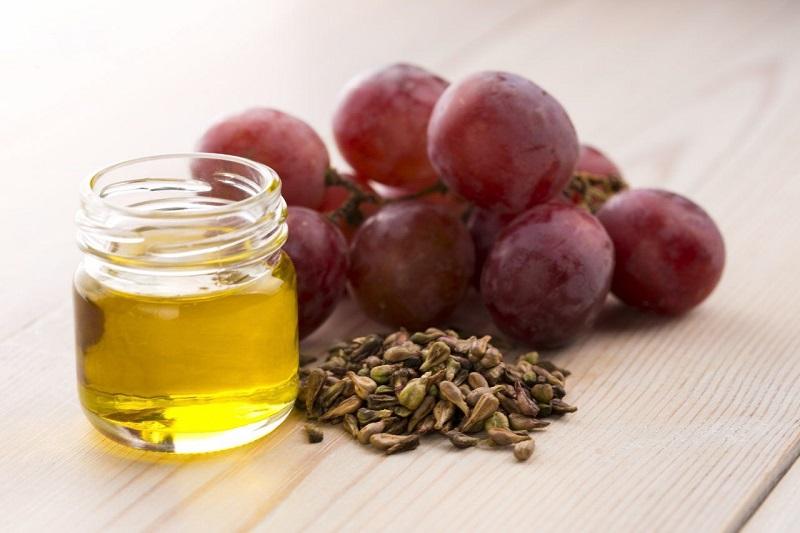 Резултат с изображение за масло от гроздови семки за пиене
