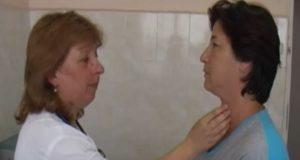 палпация на щитовидната жлеза