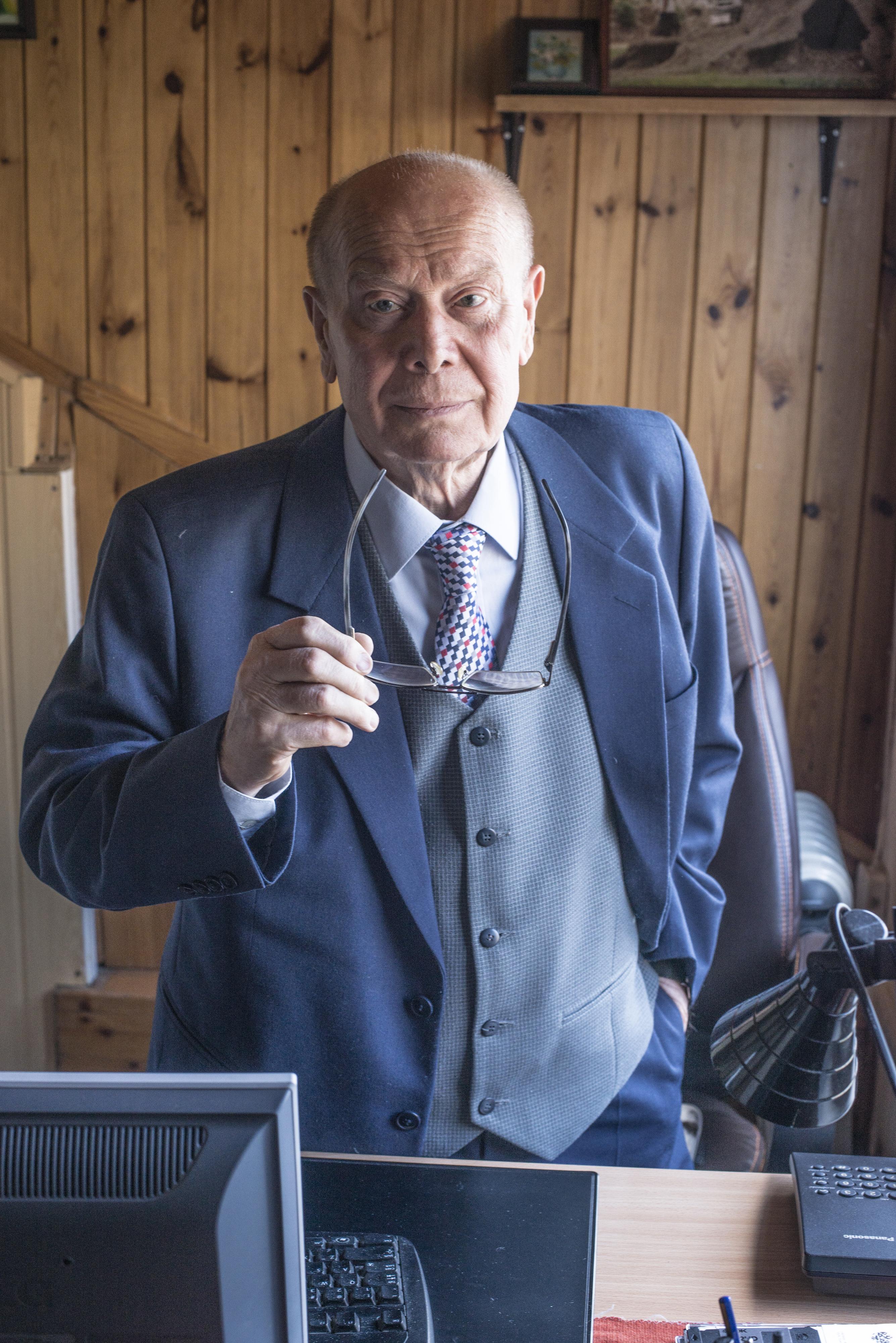 Професор Йежи Лукашяк